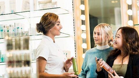 Kosmetolog-kosmetikrådgivare